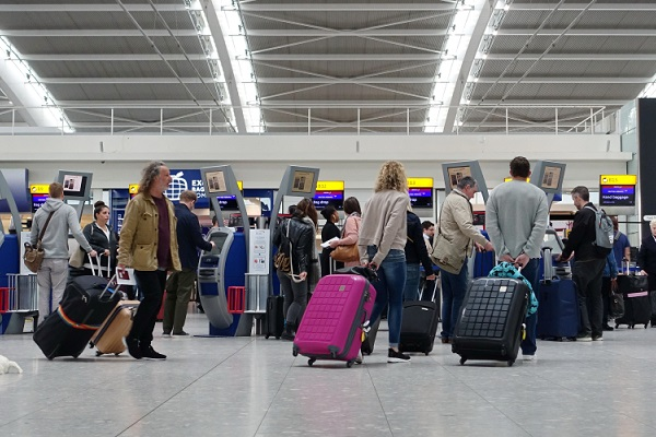 Chaotic scenes reported at airports as passengers 'turn up eight hours early'