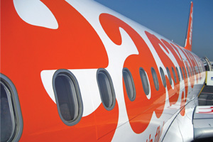 Probe after engine cover falls off easyJet aircraft | Travel