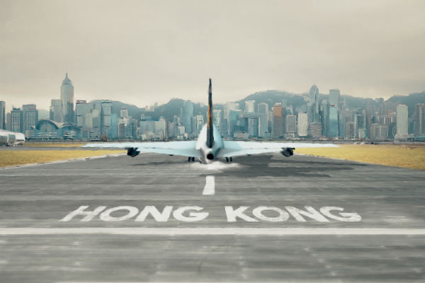 Flights resume at Hong Kong airport