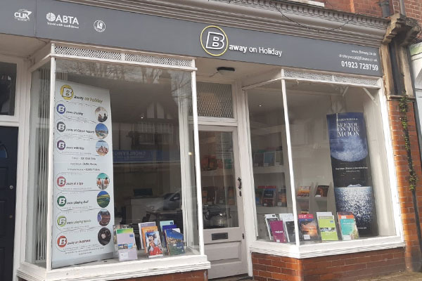 B Away takes on former Thomas Cook staff for new Chorleywood shop
