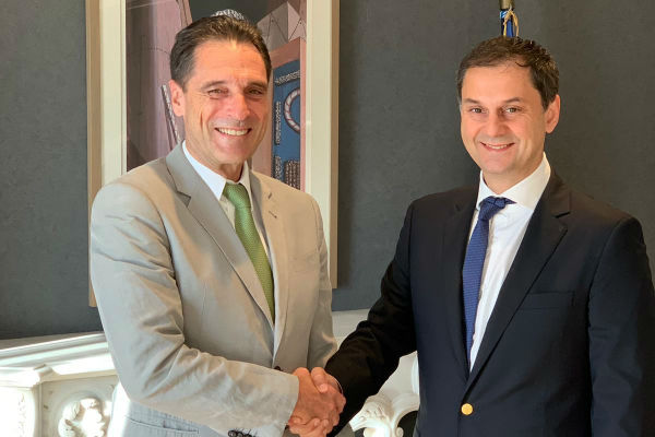 Thomas Cook chief meets Greek tourism minister