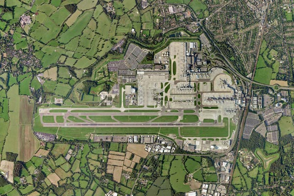 Pilots voice 'extreme concern' over drone collision risk as Gatwick re-opens