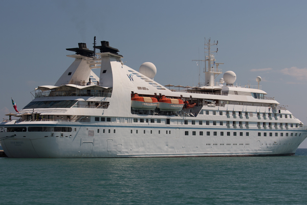 Tahiti targeted for Windstar return