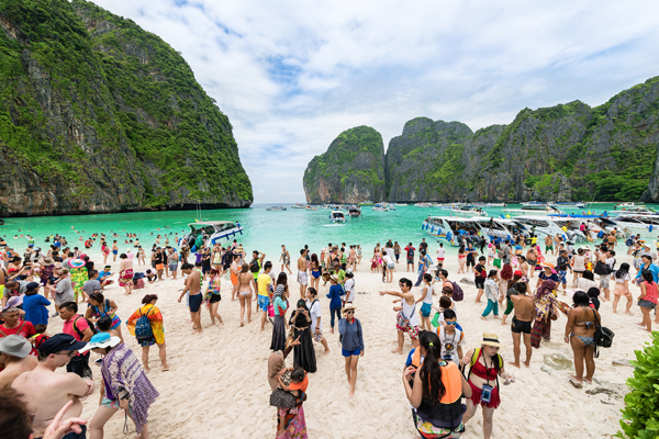 Tourist ban to iconic Thai beach extended