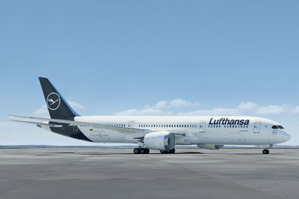 Lufthansa profit warning sends airline shares tumbling