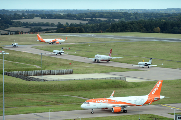 Luton airport sets summer passenger record