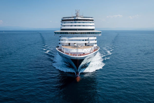 Agency boss issues industry 'rallying cry' to get cruise ships sailing again