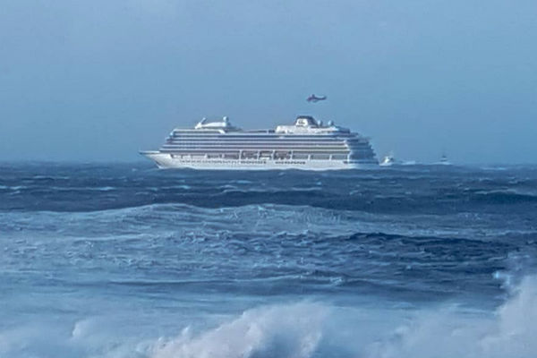 Video: Twenty injured in Viking Sky rescue airlift