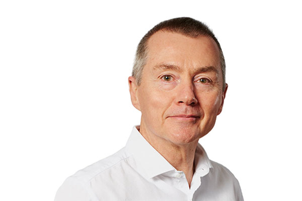 IAG chief Willie Walsh stands down