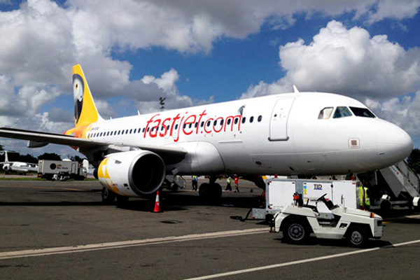 Fastjet falls further into the red