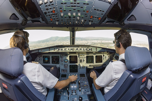 British Airways pilots vote for summer strike action