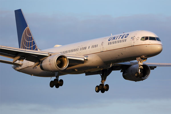 United Airlines reports record $3 billion profit