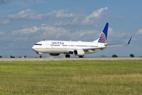 United Airlines reports $1.6bn quarterly loss