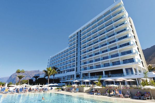 Tui in refund row about Tenerife hotel sickness