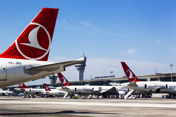 Turkish Airlines slashes fares by 40%