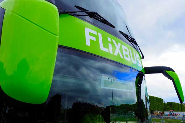 Low-cost coach operator enters UK market