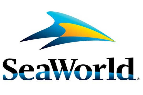 People rescued from SeaWorld theme park ride