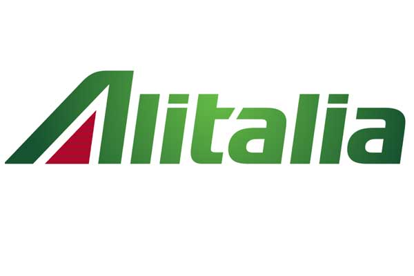 Alitalia cabin crew threaten strike over aircraft toilet cleaning