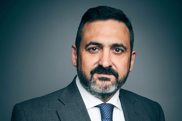 BA boss Alex Cruz steps down in IAG management shake-up