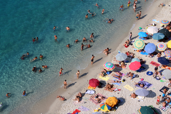 Consumers 'more likely to use agents and take package holidays in 2021'