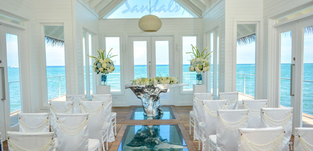 Sandals-Montego-Bay-Over-Water-wedding-chapel