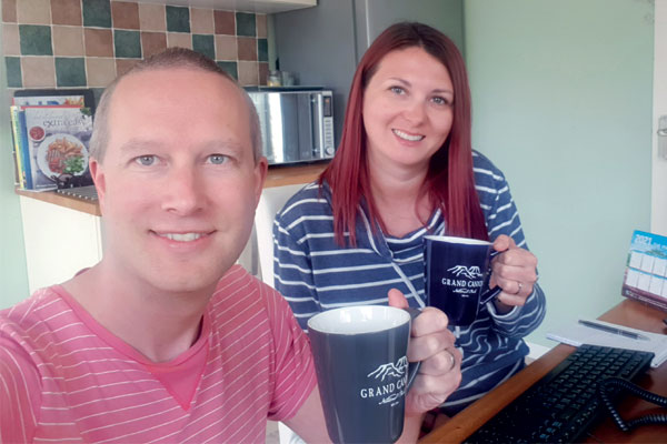 Spotlight: Travel agent couples living together during lockdown