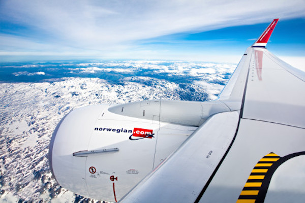 Norwegian Air makes £340m cash plea as carryings collapse