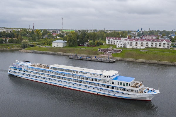 Riviera puts 2022 Russia river cruises on sale