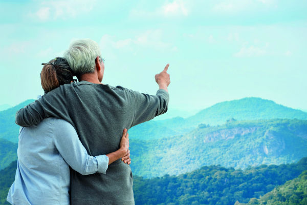 Mature holidaymakers increasingly turn to travel agents