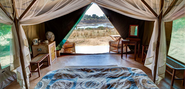 Luxury-tent-interior-&-view-sm
