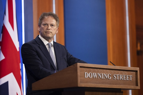 Shapps backtracks on 'travel agents in the past' comment