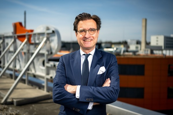 Sixt recruits economic expert as new finance chief