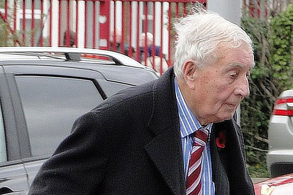 Package holiday pioneer Doug Ellis dies aged 94