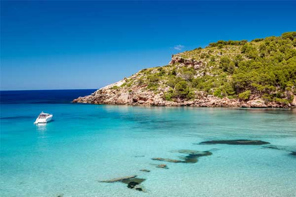 Jet2 to offer Menorca for Easter 2022 holidays