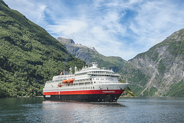 Hurtigruten hails environmental improvements to Coastal Express operations