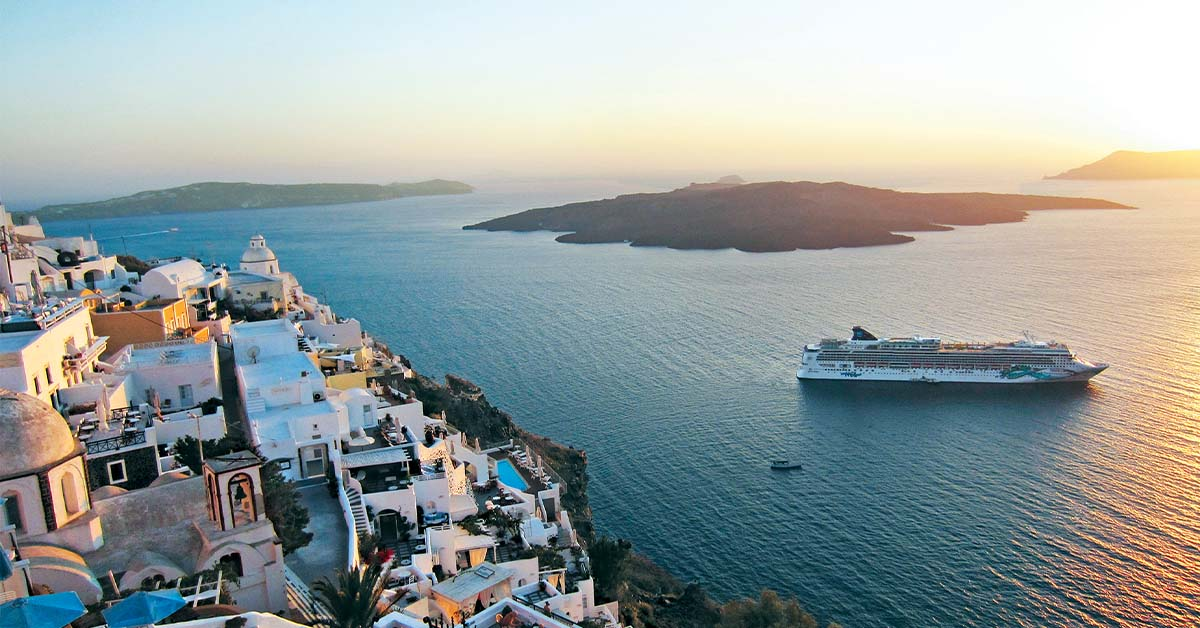 A music tour in Santorini with Norwegian Cruise Line